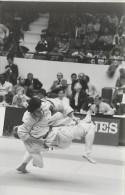 Ref A811- Arts Martiaux -judo -photo Souple Non Située- Rencontre Internationale Ou Nationale ??- Photo Bon Etat  - - Martiaux