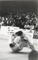 Ref A810- Arts Martiaux -judo -photo Souple Non Située- Rencontre Internationale Ou Nationale ??- Photo Bon Etat  - - Martiaux