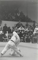 Ref A808- Arts Martiaux -judo -photo Souple Non Située- Rencontre Internationale Ou Nationale ??- Photo Bon Etat  - - Martiaux