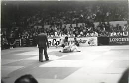 Ref A800- Arts Martiaux -judo -photo Souple Non Située- Rencontre Internationale Ou Nationale ??- Photo Bon Etat  - - Martiaux