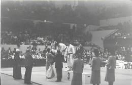 Ref A797- Arts Martiaux -judo -photo Souple Non Située- Rencontre Internationale Ou Nationale ??- Photo Bon Etat  - - Martiaux