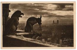 75 PARIS CPSM : Paris En Flanant Notre Dame - Chimères De La Façade Ouest, Gargouilles, Années 1925/1930 - Distrito: 04
