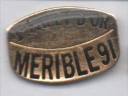 Hockey Sur Glace , 1er Palet D'Or , Ville De Méribel , Savoie - Badges