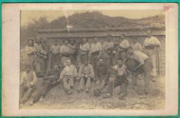 CARTE PHOTO MILITARIA - GUERRE 14/18 - GROUPE DE POILUS DANS LES TRANCHEES A VILLEY-SAINT-ETIENNE - Guerre 1914-18