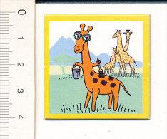 Carton 4 X 4 Cm  / Humour Girafe Et Pot De Peinture / Animal Giraffe Humor  // IM 51/A - Vieux Papiers