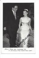 "9617 -  Nancy Kivan And Chingivah Lee In Universal's "" The Flower Drum Song"" Avec Signatures - Acteurs"