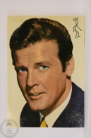 Original & Rare 1960s Postcard - Roger Moore - Edited Oscarcolor, Printed In Spain - Acteurs