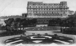 BIARRITZ - L'Hôtel Du Palais Et Le Parc - - Biarritz