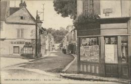 76 NEUFCHATEL EN BRAY / La Rue Des Fontaines / - Neufchâtel En Bray