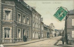 76 NEUFCHATEL EN BRAY / La Rue Carnot / CARTE COULEUR - Neufchâtel En Bray