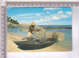 AB50800 SEYCHELLES PESCATORI CON PIROGHE E CASIERS BARCHE RETI PESCA PESCHERECCI - Seychellen