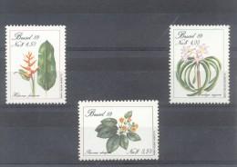 BRASIL BRESIL COMPLETE SET YVERT NRS. 1915-17 MNH COMPLETE SET FLORA FLORES FLEURS FLOWERS - Végétaux