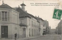 CPA Maisons-Alfort - La Grande Rue Vers L'église Et Le Nouveau Bureau De Poste - Maisons Alfort