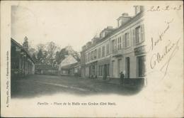 76 PAVILLY / La Place De La Halle Aux Grains / - Pavilly