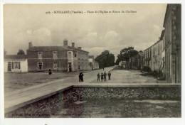 SOULLANS. -  Place De L'Eglise Et Route De Challans. -  Carte RARE - Soullans