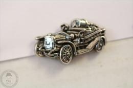 Fireman/ Firefighter Old Car - Pin Badge #PLS - Pin
