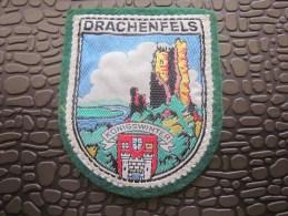 Drachenfels,terme Allemand Signifiant Littéralement «rocher Du Dragon »,est Une Colline D´Allemagne Ancien Volcan - Stoffabzeichen