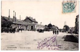 CPA 1904 ANIMEE COMPIEGNE COUR DE LA GARE - Compiegne