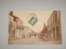CPA Cpsm Cp Cpa Postcard 32 Gers 1926 GONDRIN TRES ANIME ROUTE NATIONALE DE CONDOM ED LAROQUE BEL ETAT - Francia