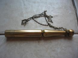 Quille D'Appelé En Bronze, Longueur : 22 Cm - Equipement