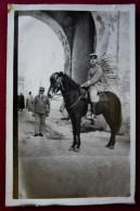 CPA TYPE PHOTO-GENDARME A CHEVAL AU MAROC-FEZ-CIRCA 1930 - Foto's