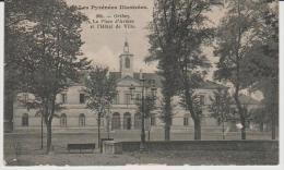 Pyrénées   Atlantique  :    ORTHEZ  : La  Place  D ' Armes - Orthez