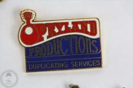 Rare Opryland Production Music Advertising- Pin Badge #PLS - Música