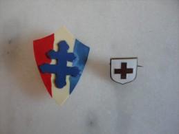Superbe Lot Insigne Croix Rouge + Croix Lorraine - JB13 - Army & War