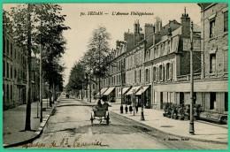 Sedan - Ardennes -  Avenue Philippoteaux - Animée - Sedan