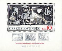 "CZECHOSLOVAKIA 1981 PICASSO ""GUERNICA"" S/S SC#2374 MNH  (D01) - Picasso"
