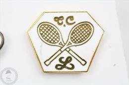 Golden & White Colour Tennis Racquets - Pin Badge #PLS - Tenis