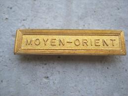 ANCIENNE BARETTE ACIER OR POUR MEDAILLE PENDANTE MOYEN ORIENT 1� MODELE EXCELLENT ETAT