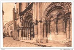 F473 86 CHATELLERAULT Facade Romane De L'eglise ST JACQUES Timbre Cachet - Chatellerault