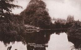 ROEHAMPTON - GIFFORD HOUSE LAKE - London Suburbs