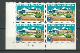 """Madagascar Coins Datés YT 484 """" Industries """" 1971 Neuf** - Madagascar (1960-...)"""
