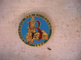 Pin�s de la Confrerie des BANGARDS 1992, � Pierrefitte-sur-Seine.(Cl ub d'oenologie et de gastronomie)