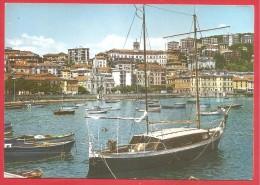 CARTOLINA VG ITALIA - IMPERIA - Riviera Dei Fiori - Panorama - Porto E Barche - 10 X 15 - ANNULLO IMPERIA 1976 - Imperia