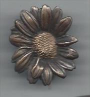 Broche /P�querette/ Bronze nickel�/Insigne de la Ligue patriotique des fran�aises/Vers 1935     BIJ17