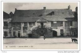 CPA - Vannes, Ancienne Mairie - Morbihan(56) - Vannes
