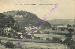 24.  DOMME .  La Dordogne Aux Gravillou . - Autres Communes