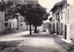 ROVON  - Place De La Mairie Et Des Ecoles ( En L'état ) - Francia