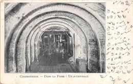 ¤¤  -  CHARBONNAGE  -  Dans La Fosse  -  Un Accrochage  -  Mine , Mineurs   -  ¤¤ - Mines