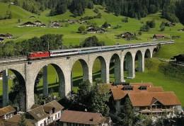 SUISSE FRUTIGEN Rampe Nord De La Ligne BLS Du Lötschberg Loco Re 4/4 SBB-CFF En 2007 Détails  2ème Scan - Trenes
