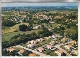 """GALGON 33 - CITE """" L'ILLOTE """" ( HLM Ensemble Immobilier ...) Vue Générale Aérienne - CPSM CPM GF -  Gironde - Frankreich"""