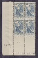BLOC DE QUATRE N* 762 (numéroté 34753) NEUF**(variété De Couleur : Turquoise Ou Bleu Vert) - Unused Stamps