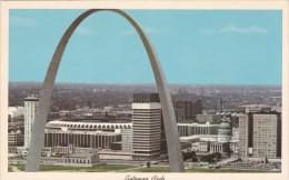 Gateway Arch & Stadium , Jefferson National Expansion Memorial, ST. LOUIS, Missouri, 40-60´s - St Louis – Missouri