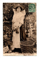 Hyeres Vraie CPA Jeune Femme En Costume Et Chapeau Paysanne A La Cueillette Des Oranges Ecrite En 1910 - Hyeres