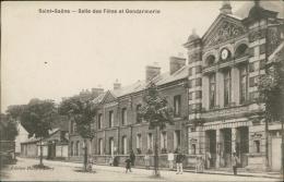 76 SAINT SAENS / La Salle Des Fêtes Et La Gendarmerie / - Saint Saens