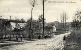 02  NEUVILLE Lès DORENGT Pont De Dorengt  Très Animée - Autres Communes