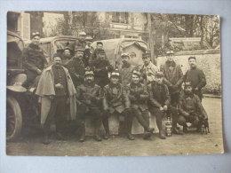 Belle Carte Photo Militaire.  Camions Et Chauffeurs.  TBE - Matériel